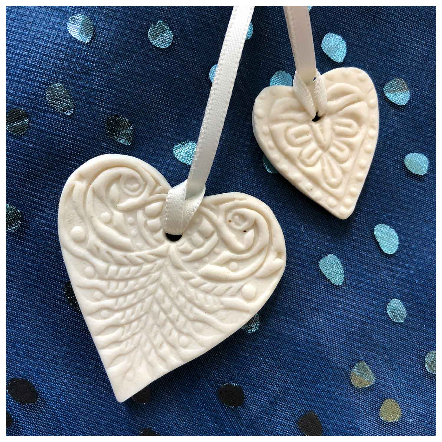 Helena Thomas Pair Of Hearts Porcelain 50mm & 30mm £7.50